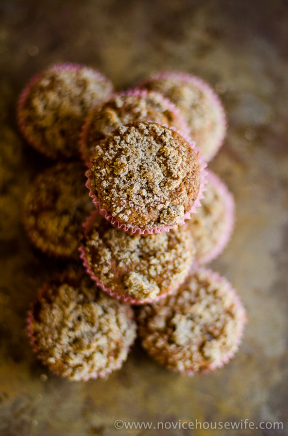 whole wheat banana crumb muffins-016