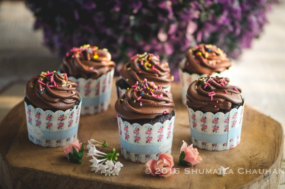 Chocolate Cupcakes with peanut butter filling and chocolate mousse ...