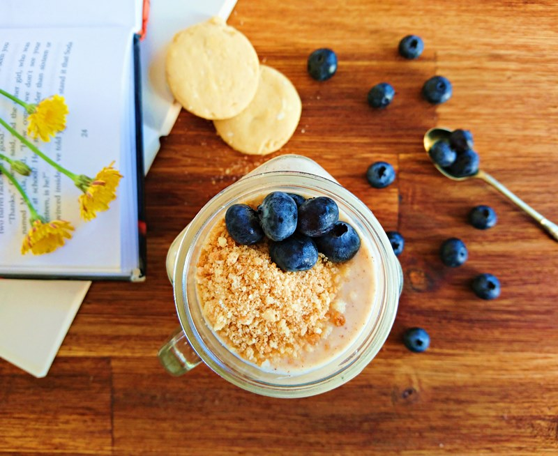 Overnight Blueberry Cheesecake Oats