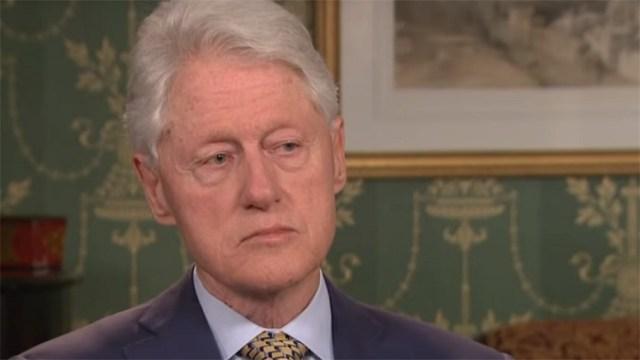 "Bil Klinton stigao ""kod porodice"" na Kosovo"