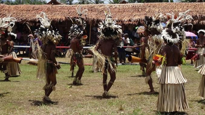 Plemenski sukobi u Papui Novoj Gineji: Žrtve i trudnice i deca