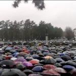 Skup vernika SPC u Nikšiću, s graničnog prelaza vraćeni autobusi iz RS (VIDEO)