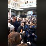 SZS blokirao ulaze u RTS, Jeremić obećava da neće biti nasilja (VIDEO)