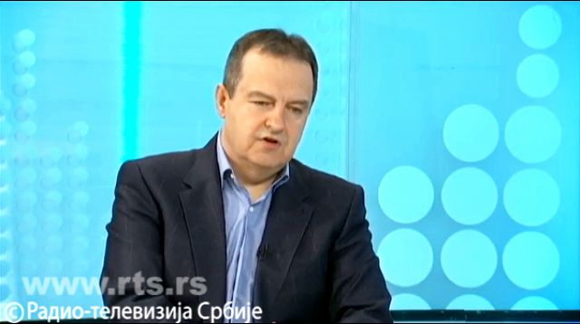 Dačić: Da li treba i dalje da imaju srpsko državljanstvo oni koji podržavaju crnogorski režim