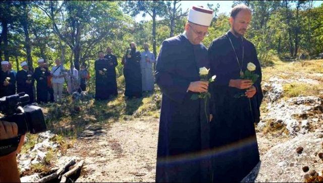 Episkop i muftija zajedno posetili mesta stradanja Srba i Bošnjaka
