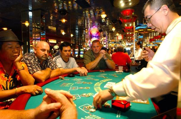 Eine Nacht in der illegalen Pokerhöhle