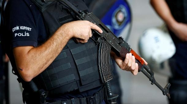 Türkische Polizei geht mit Razzia gegen illegale Hahnenkampf-Wetten vor