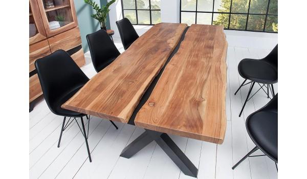 table a manger bois massif et metal noir rectangulaire