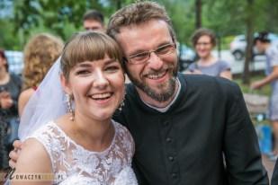 Ślub Klaudyny i Adama. Fotograf Józefów, Otwock. Fotoreportaże.