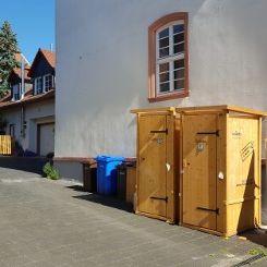 nowato Komposttoiletten. Im Hof