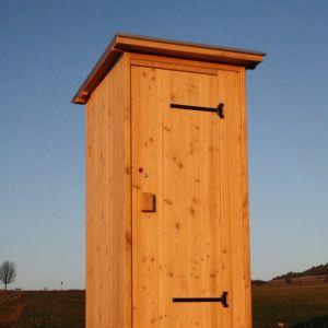 Toilettenhaeuschen Wald-Kompakt als Biokontrollierte-Einstreutoilette mit 80-L Behälter