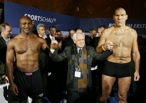Evander Holyfield vs Nikolai Valuev Weigh in Results and Photos