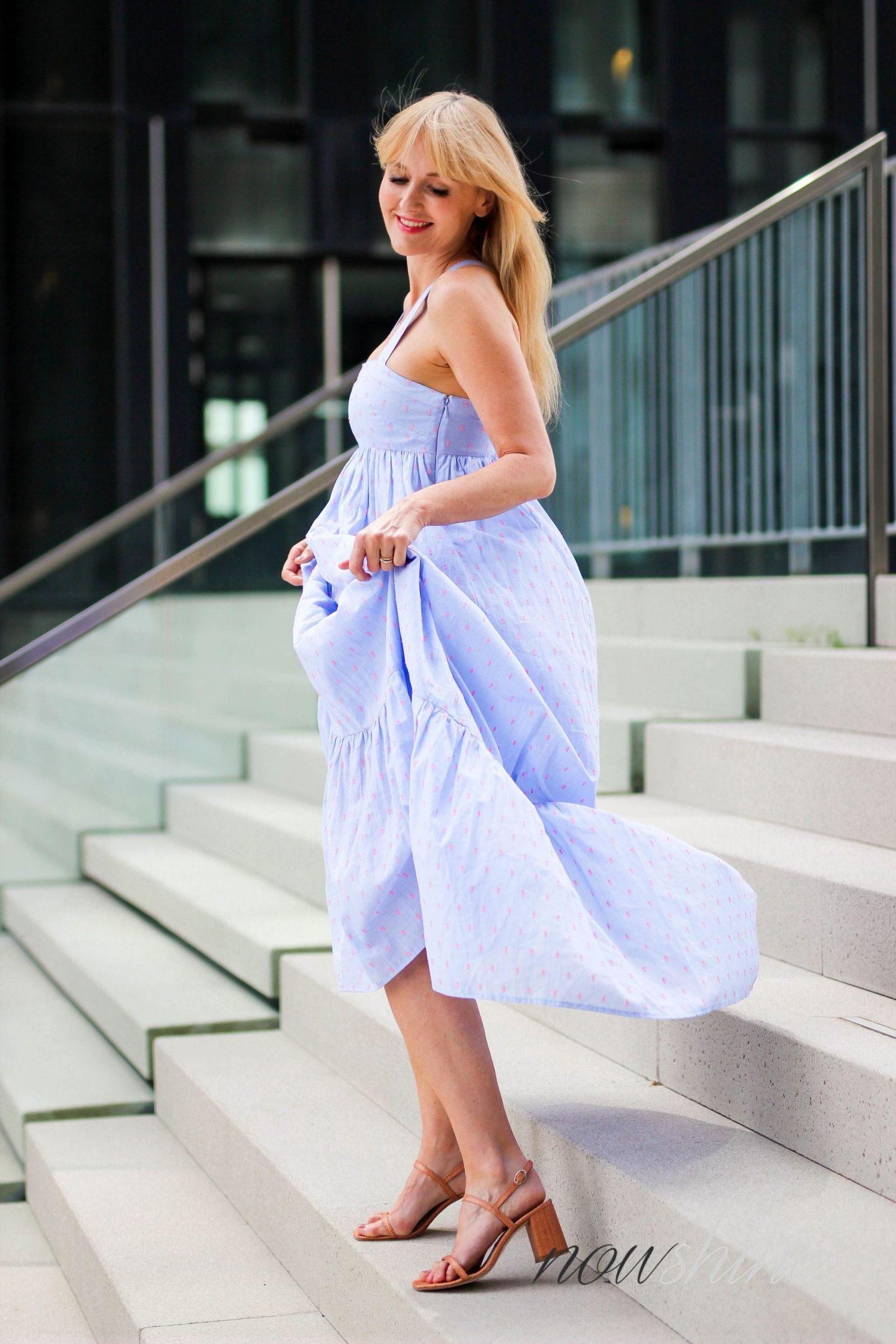 Feminine Maxikleider für den Sommer - Nowshine im Maxikleid von H&M - Fashionblog ü40