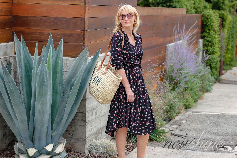 Aus dem WENZ Katalog - Kleid mit Blumen für das Cali Feeling - Nowshine ü 40 Reiseblog