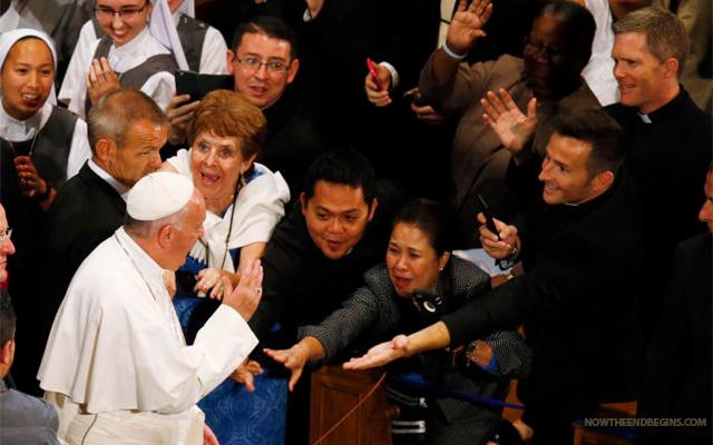 pope-francis-worship-false-prophet-revelation-17-end-times-catholic-antichrist