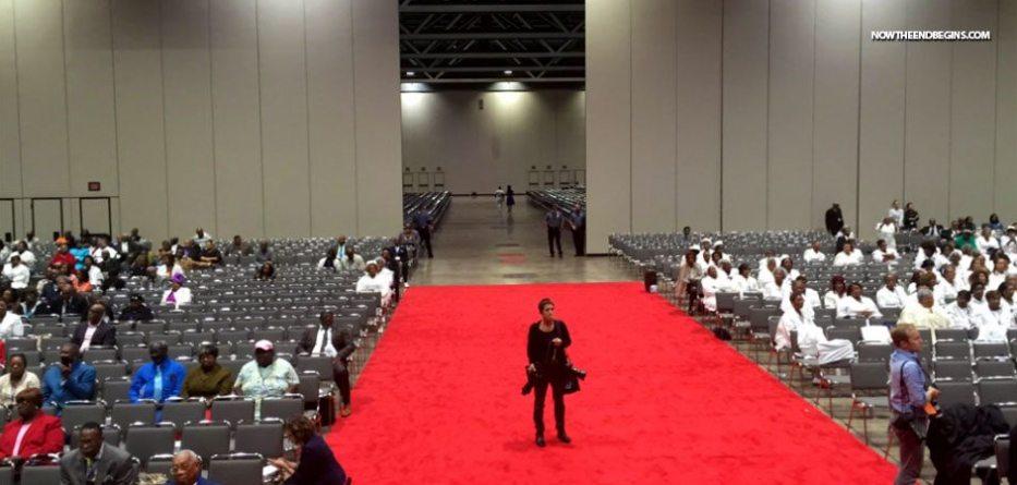 empty-seats-hillary-clinton-speech-national-baptist-convention-donald-trump-president-2016