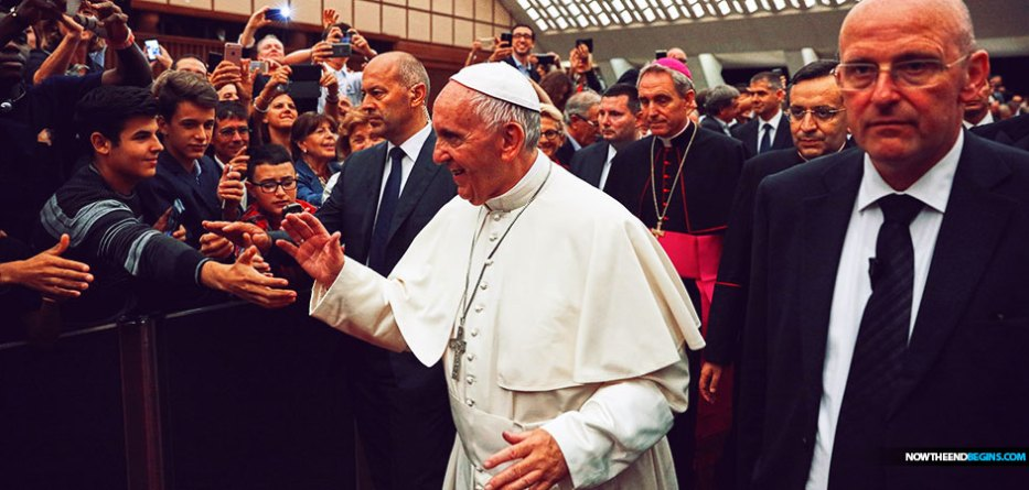 """Pope Francis is inviting world leaders and young people to come together at the Vatican on May 14, 2020, for a an event called """"Reinventing the Global Educational Alliance."""""""