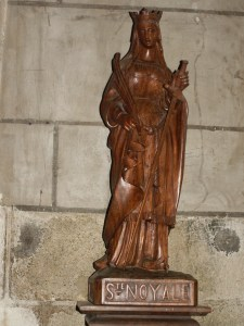 Statue Sainte-Noyale moderne