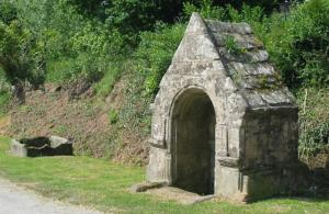 Fontaine et auge de Poulvern