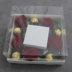 קופסה לתכשיט עם פרחים ופררו