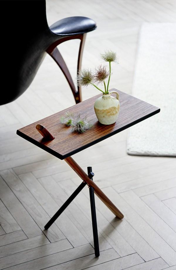 Sidebord i valnød