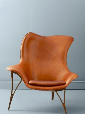 Lænestol i valnød og cognac læder