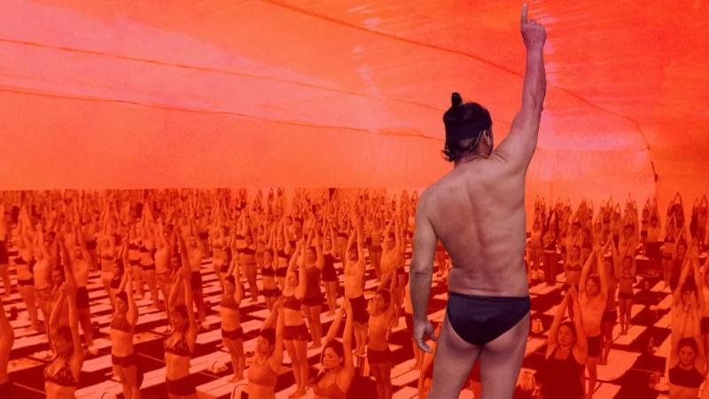 Bikram, l'ambiguo guru dello yoga nel documentario Netflix