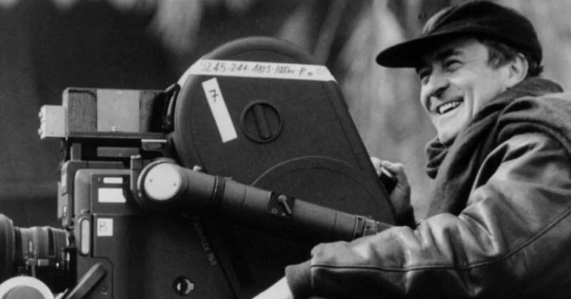 Bernardo Bertolucci sul set