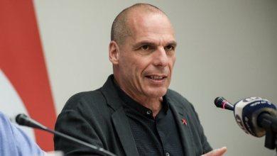 "Photo of Βαρουφάκης: ""Είστε ρατσιστές -Δεν υπάρχει οργανωμένη απόπειρα εισόδου στον Έβρο"""