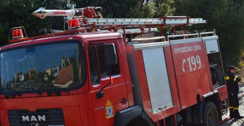 Photo of Ναύπακτος: Πυρκαγιά σε σταθμευμένο όχημα στον Γαλατά έσβησε η πυροσβεστική