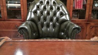 Photo of Ο Πατούλης αγόρασε πολυθρόνα Chesterfield αξίας 20.000 ευρώ