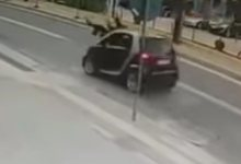 Photo of Σοκαριστικό βίντεο: Η στιγμή που αυτοκίνητο χτυπάει μητέρα και παιδί σε δρόμο του Ρεθύμνου