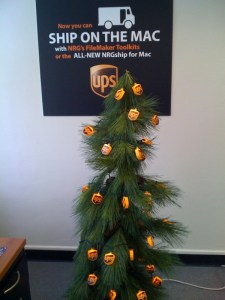 happy holidays ups tree