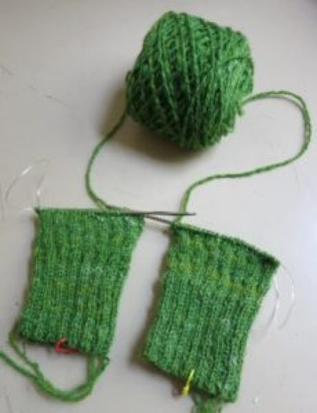 Two socks, on one needle with one ball challenge: wind a centre-pull ball on a wool winder and knit from both ends.