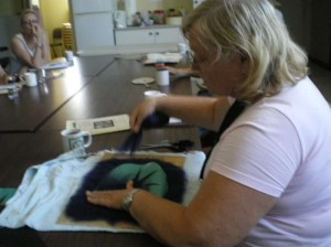 200902_workshop_felting_13