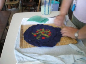 200902_workshop_felting_21