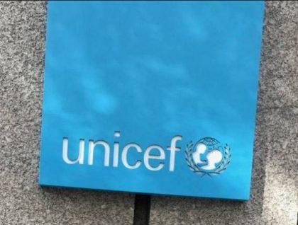 Asusun Kula da Yara na Majalisar Dinkin Duniya (UNICEF) ya samar tare da rarraba kayan 257,500 na Tsaran Zamani da Kayan Aiki (SBCC) ga Jigawa, Kano da Jigawa Jihohi don ƙirƙirar wayar da kan jama'a akan COVID-19. Mista Maulid Warfa, Shugaban Asusun UNICEF a Ofishin Field na Kano ne ya sanar da hakan ga Kamfanin […]