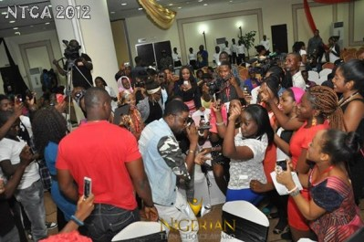 skales-thrilling-crowd