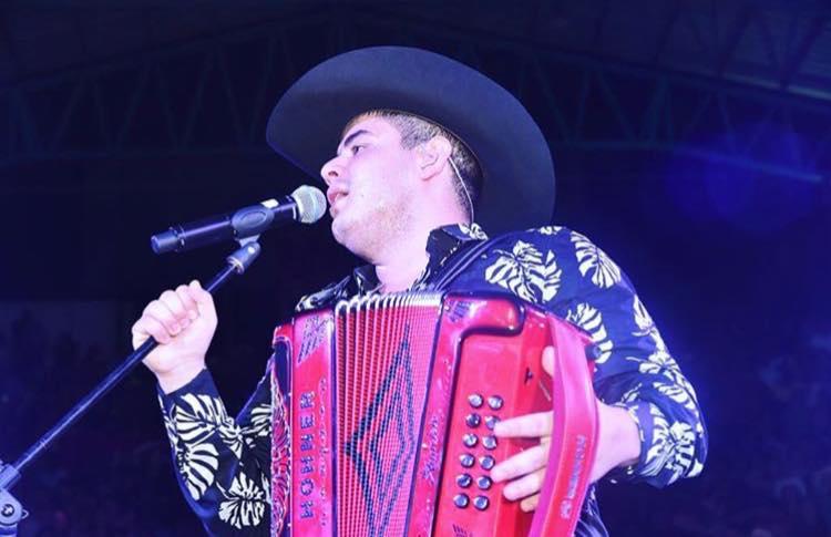 Así Fue La Presentación De Alfredo Olivas En El Palenque De La Feria