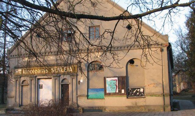 Jaunieši vēlas atjaunot kinoteātra ēku