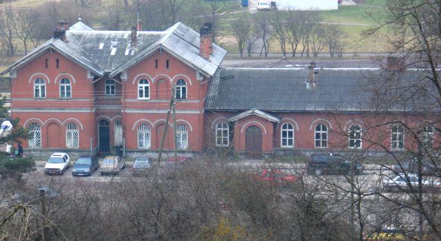Stacijas jumta nomaiņai vērtējami tikai septiņi piedāvājumi