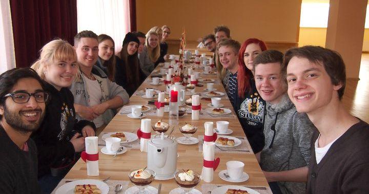 Kandavu iepazīst 14 studenti no Zviedrijas