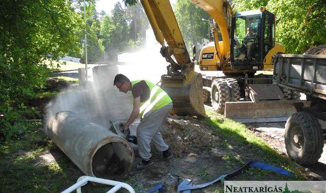 Durbē būvē lietus ūdeņu novadīšanas ietaises