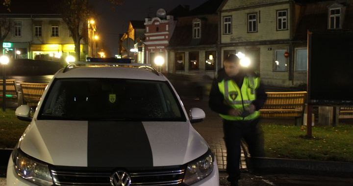 Reidā policisti uzmanību pievērš gājējiem, velosipēdistiem un izklaides vietām Tukumā