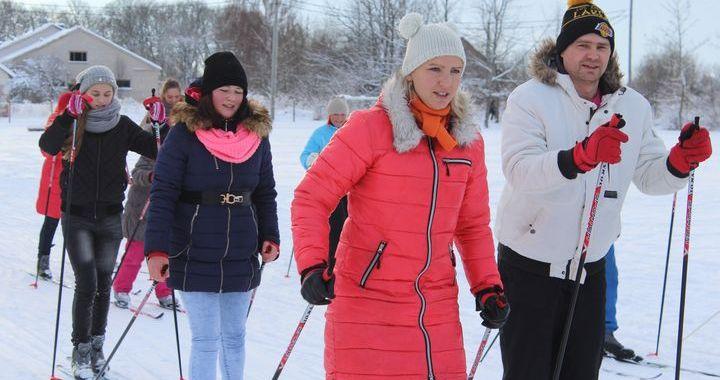 Pīrādziņu slēpojums Kandavā izslēpots, priekšā – Matkule un Cēre /FOTO/