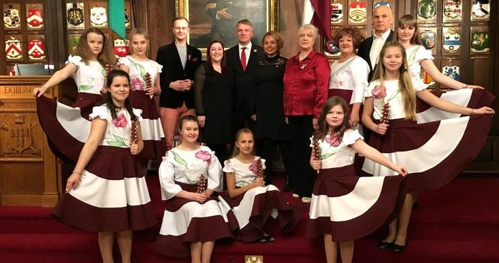Tukuma muzikālie kolektīvi valsts svētkos priecē tautiešus Dublinā