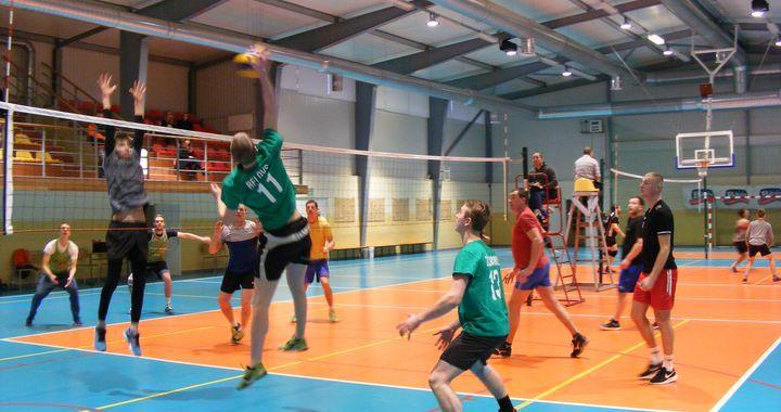 Tradicionālajā Irlavas svētku volejbola turnīrā uzvar «Ibītis» /FOTO/