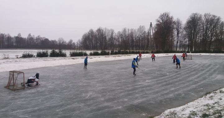 Entuziastu hokeja līgas komandas «Rotas/Meliorceltnieks» draudzīgie ziemas prieki