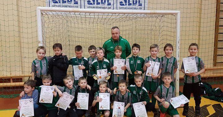 «U-8» futbolistiem uzvara Zemgales reģiona telpu futbola čempionātā