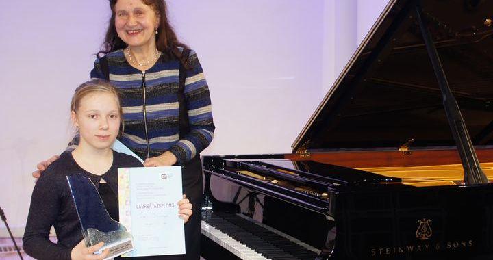 Tukumnieki starptautiskajā Lūcijas Garūtas jauno pianistu konkursā